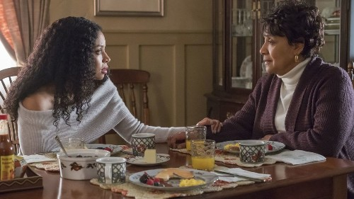 With Phylicia Rashad, 'This Is Us' offers a different portrait of a mother and daughter