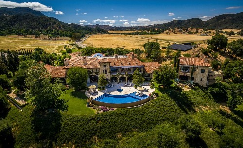 Home of the Week: Tuscan villa creates a world of its own in Thousand Oaks - Los Angeles Times