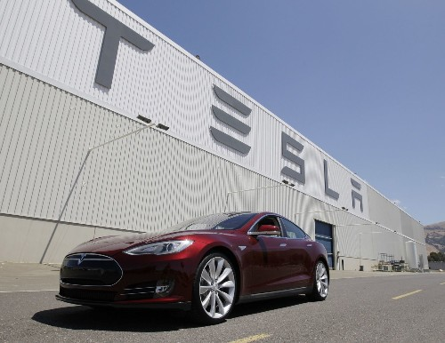 Edmunds.com tests Tesla, with mixed results