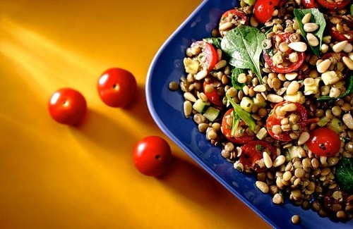 Recipe: Lentil salad with tomatoes, zucchini and arugula