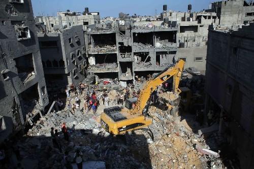 5 Gaza militants slain as Israel shifts focus of its airstrikes