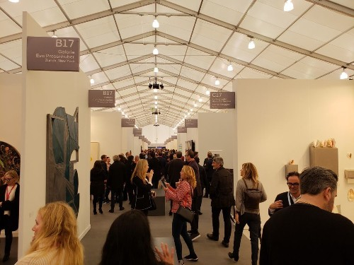Frieze Los Angeles, like any art fair, can inspire a critic's contempt. Alas, it's hard to be a hater