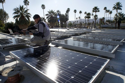 Last-minute maneuvering by utilities could throw a shadow over California's solar revolution - Los Angeles Times