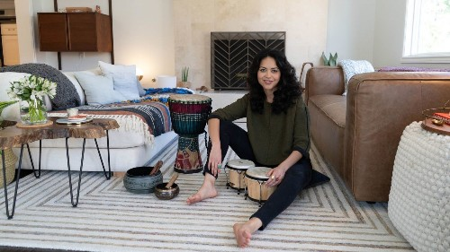 My Favorite Room: Actress Alyssa Diaz finds tranquility in her healing room - Los Angeles Times