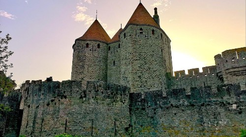 For 800 years, they were celebrated as martyrs to their faith. Just one problem: The Cathars may never have existed - Los Angeles Times