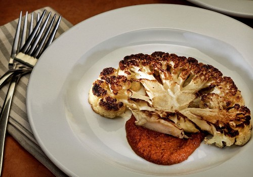 Make this cauliflower steak recipe for dinner tonight - Los Angeles Times
