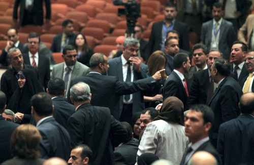 Iraqi parliament ends first session in chaos, with no leader chosen