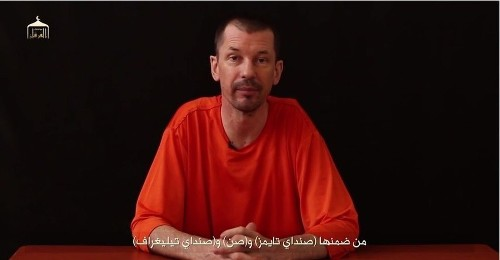 Video purports to show British photographer held by Islamic State