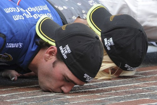 NASCAR goes back to the Brickyard - Los Angeles Times
