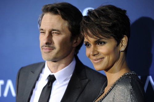 Halle Berry, husband Olivier Martinez get in another LAX scuffle