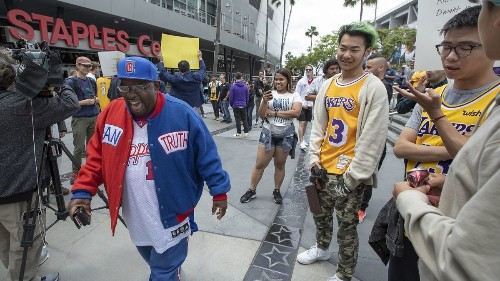 Clippers shed 'little brother' status while Lakers lean on legacy