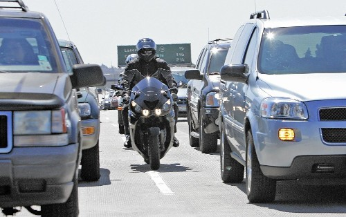 California could soon legalize motorcycle lane-splitting - Los Angeles Times