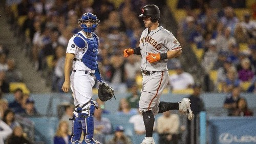 Dodgers' offensive struggles continue in loss to Giants