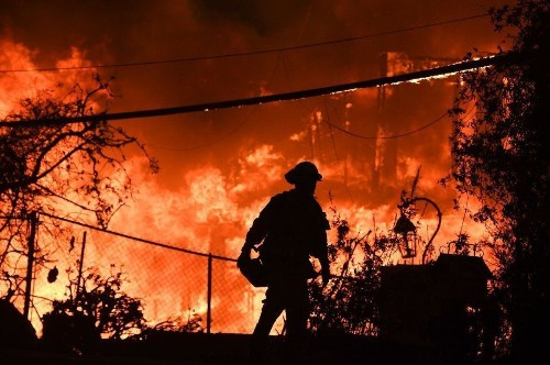L.A. County sues Edison over devastating Woolsey fire, citing $100 million in losses
