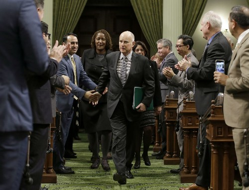 As the White House changes course on climate change, California stubbornly presses forward - Los Angeles Times