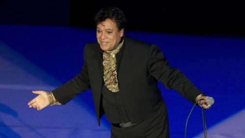 Juan Gabriel was Mexico's gay icon — but he never spoke of his sexuality - Los Angeles Times