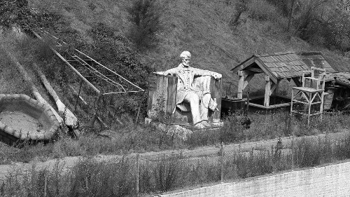 From the Archives: Lincoln overlooking the Los Angeles River