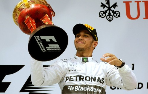 Lewis Hamilton earns third win in a row at Chinese Grand Prix