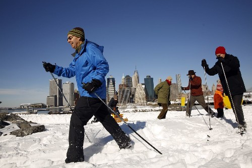 East Coast begins digging out from mountains of snow left by blizzard - Los Angeles Times