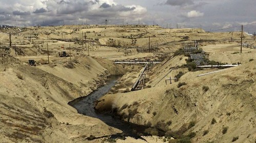 Chevron spills 800,000 gallons of oil and water in Kern County canyon