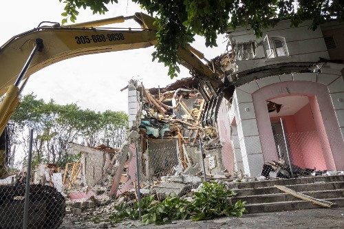 Pablo Escobar's mansion is razed, a last vestige of Miami's 1980s cocaine wars