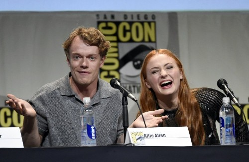 Comic-Con: 'Game of Thrones' panel discusses Sansa's and Arya's tough times - Los Angeles Times