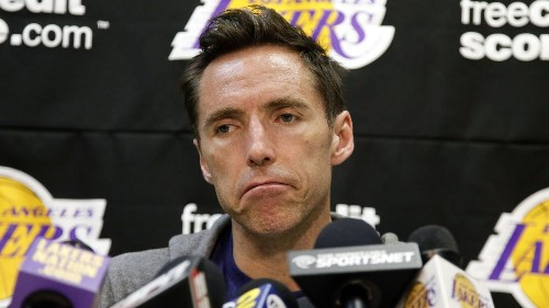 Lakers' Steve Nash shares video of himself hitting golf ball