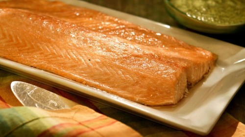 Try this quick and easy oven-steamed salmon recipe for dinner tonight