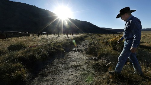 Los Angeles reduces Eastern Sierra water deliveries because of climate change. At risk, ranchers say, is a way of life - Los Angeles Times