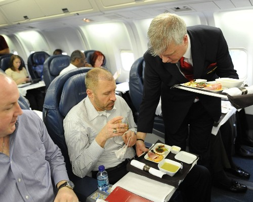 Airline food getting healthier on most carriers, study says - Los Angeles Times