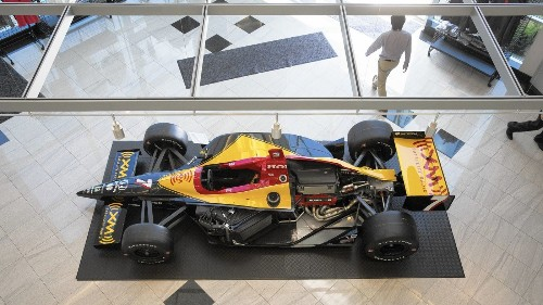 At Indy 500, it's a showdown between Honda, Chevrolet engines