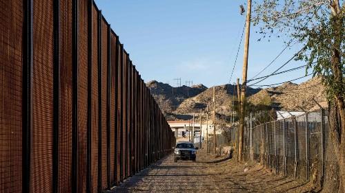 Pentagon announces $1-billion transfer for border barriers, as Democrats object