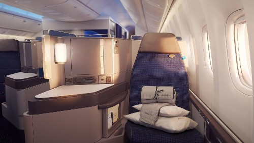 United Airlines hopes slim seats and exclusive lounges will help generate $3 billion