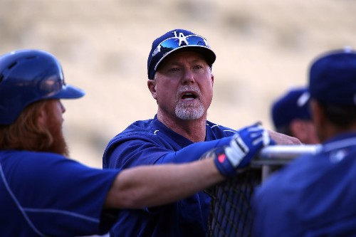 Mark McGwire leaves Dodgers to be Padres bench coach