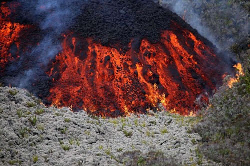 First plane debris, then a volcano eruption on remote Reunion Island - Los Angeles Times