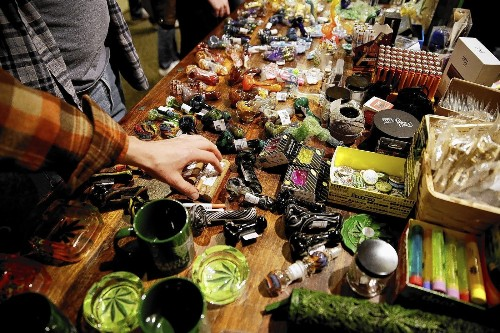 Marijuana boom spawns ancillary businesses - Los Angeles Times