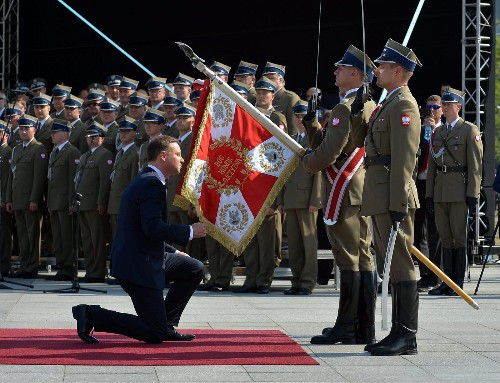 New Polish president demands better NATO protection from Russia - Los Angeles Times