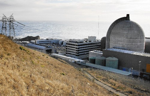 Former inspector urges nuclear regulators to close California plant