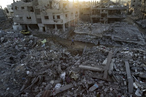Gaza truce holds up for 2nd day as talks continue in Cairo