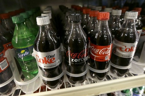 Sugary drinks linked to 25,000 deaths in the U.S. each year