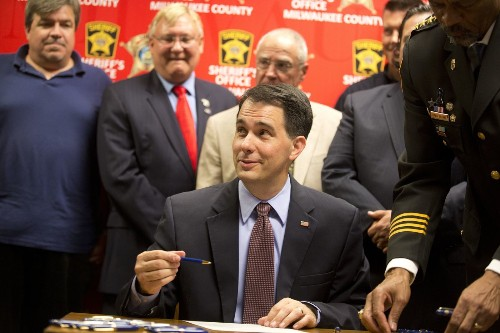 Wisconsin budget that once was a plus for Scott Walker could hurt him in 2016 - Los Angeles Times