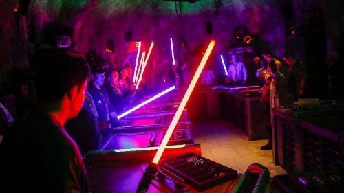 Want to see Star Wars land after Disneyland's reservation requirement ends? Here's how
