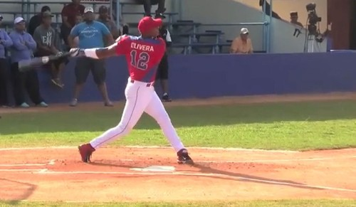 Dodgers agree to $62.5-million deal with Cuban infielder Hector Olivera