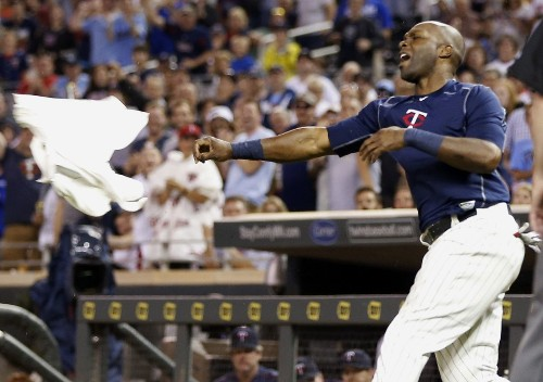 Watch Torii Hunter throw a tantrum, and his gear, after being ejected