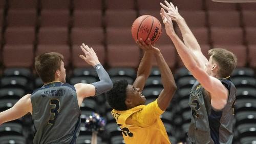 Big West men's basketball tournament semifinals: UC Irvine extends winning streak to 15 games