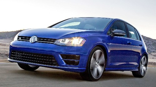 Review: Volkswagen Golf R hatchback is lively and handsome but loud - Los Angeles Times