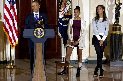 Elizabeth Lauten, critic of Sasha and Malia Obama, resigns