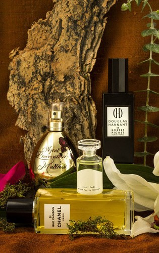 Perfumers reach back to the Golden Age for vintage scents