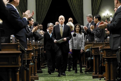 California lawmakers face water, prison and budget issues in 2014