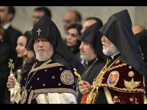 Pope Francis' Armenian genocide remarks prompt strong response - Los Angeles Times